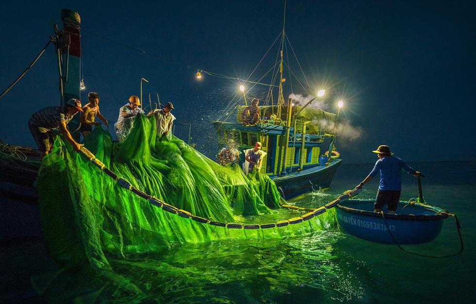 Vũ điệu ra khơi ở Hòn Yến mùa săn cá cơm ngần - Ảnh 5.
