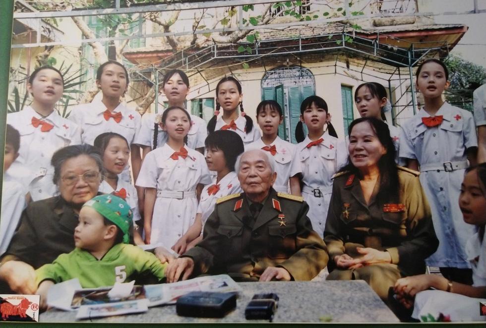Xem những bức ảnh quý hiếm về Đại tướng Võ Nguyên Giáp - Ảnh 8.