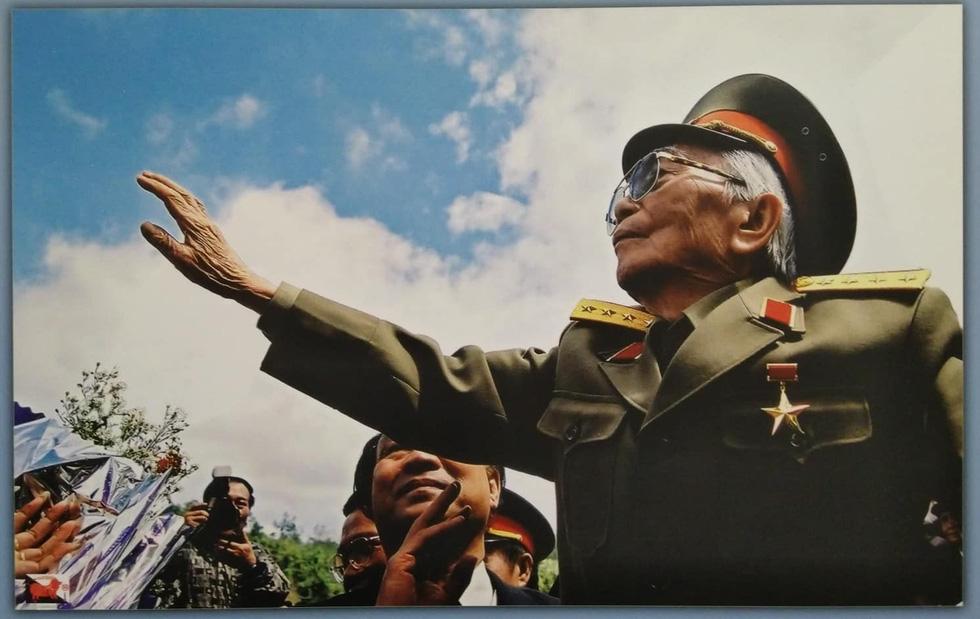 Xem những bức ảnh quý hiếm về Đại tướng Võ Nguyên Giáp - Ảnh 2.