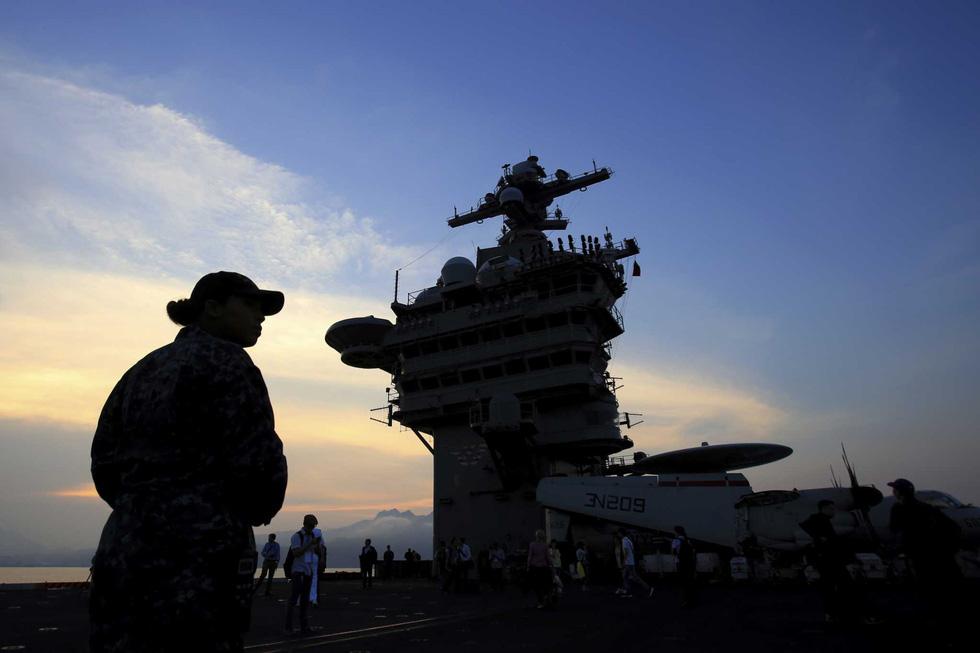 Tàu sân bay Mỹ thăm Đà Nẵng vào top ảnh đáng nhớ nhất năm 2018 - Ảnh 2.
