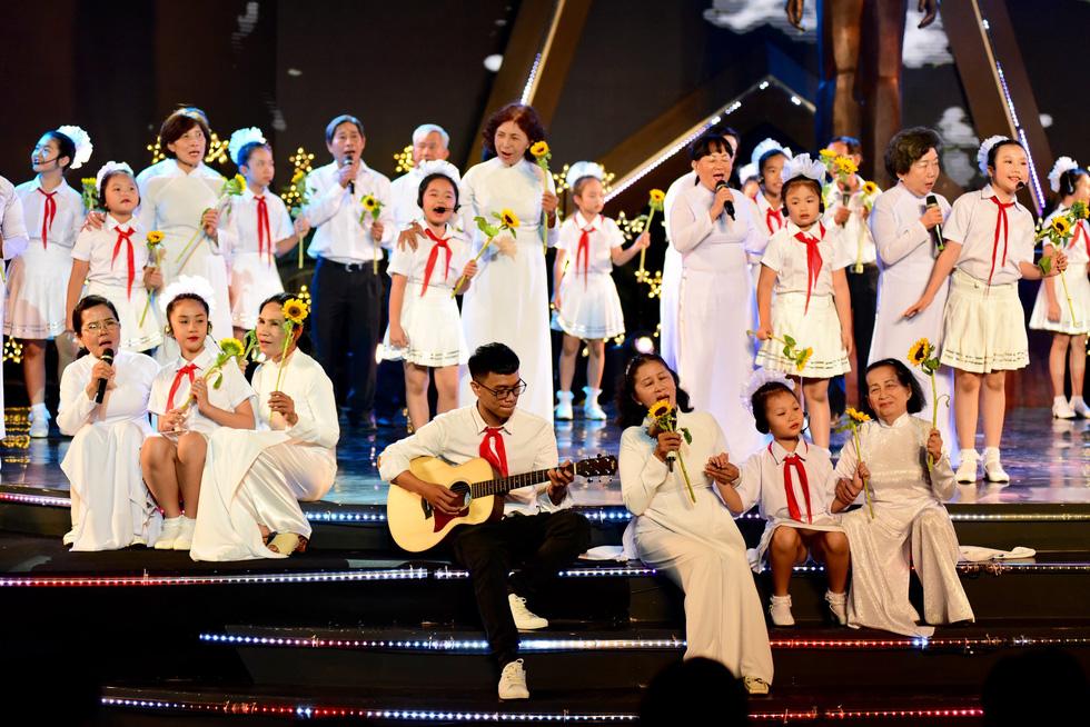 Tuổi trẻ Việt Nam nhớ lời Di chúc theo chân Bác - Ảnh 8.