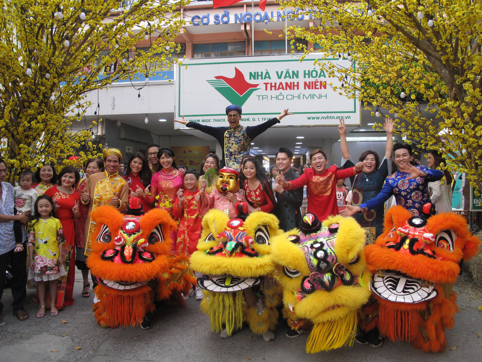 Tết Việt ở Nhà văn hóa Thanh niên TP.HCM nhiều màu sắc - Ảnh 2.