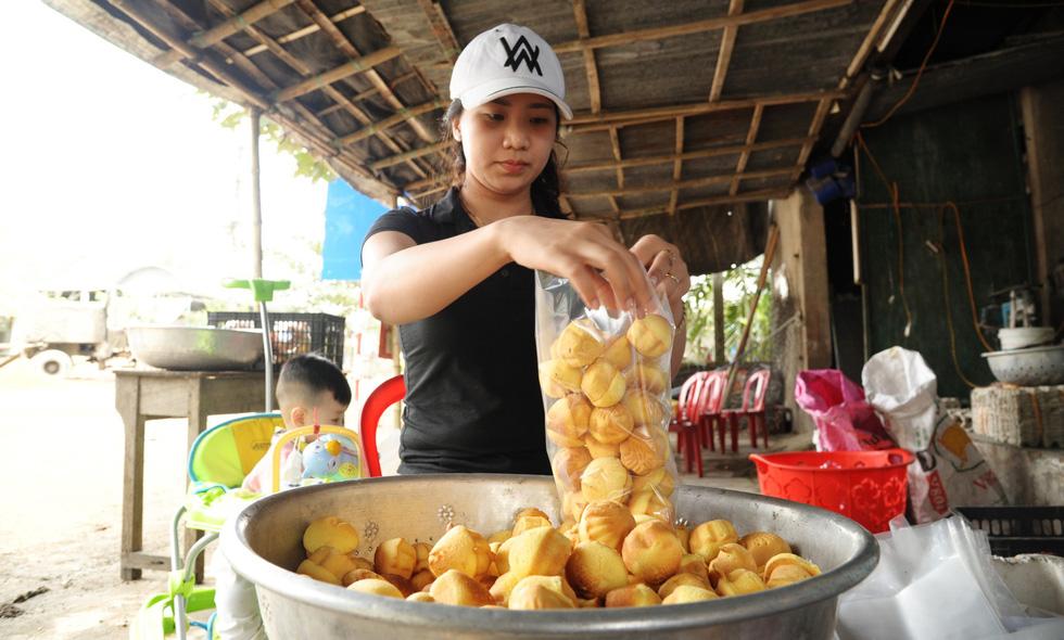 Những làng bánh xứ Quảng tất bật vào tết - Ảnh 12.