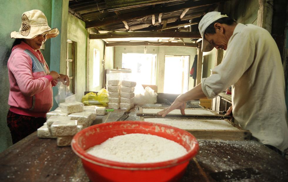 Những làng bánh xứ Quảng tất bật vào tết - Ảnh 14.