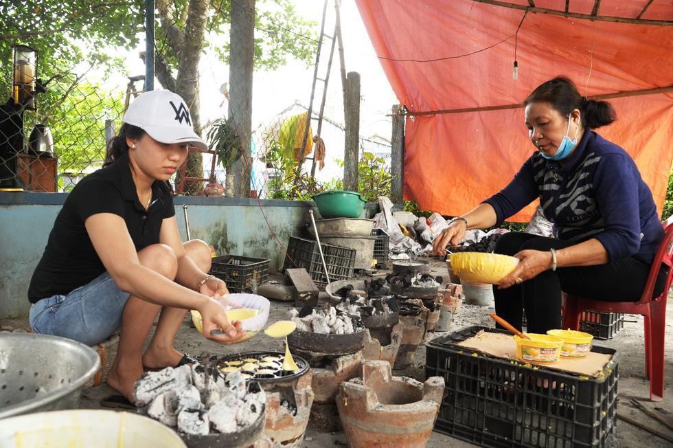 Những làng bánh xứ Quảng tất bật vào tết - Ảnh 7.
