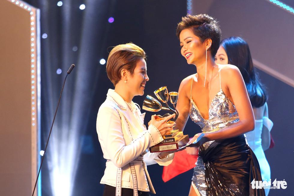 Đông Nhi, Vũ Cát Tường, Bích Phương gom giải Keeng Young Awards - Ảnh 9.
