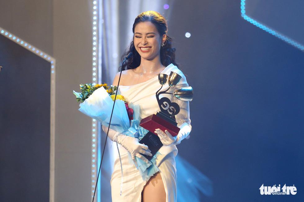Đông Nhi, Vũ Cát Tường, Bích Phương gom giải Keeng Young Awards - Ảnh 11.