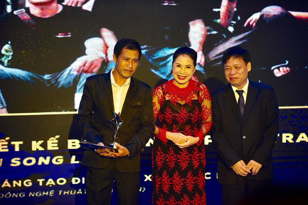 Hoàng Yến Chibi, Trường Giang, Huỳnh Lập... đoạt giải Ngôi sao xanh - Ảnh 4.