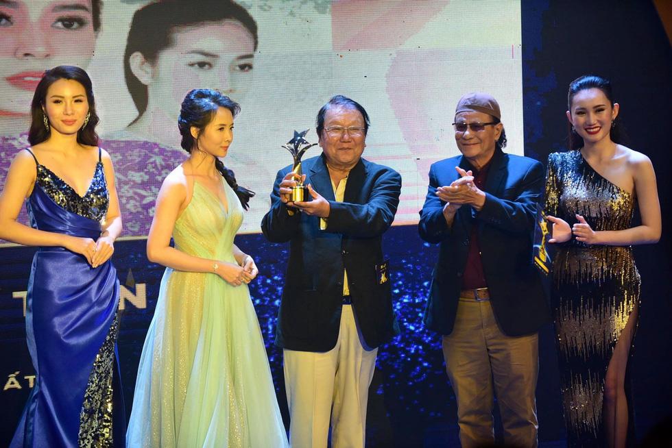 Hoàng Yến Chibi, Trường Giang, Huỳnh Lập... đoạt giải Ngôi sao xanh - Ảnh 10.