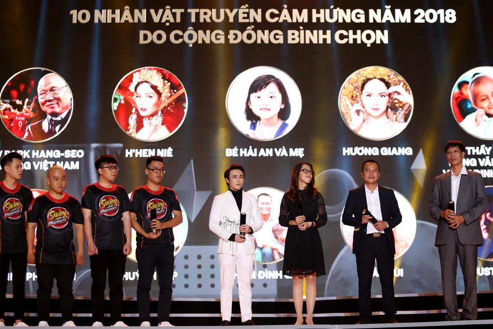 Đêm chạy sô nhận 4 giải thưởng khó quên của Huỳnh Lập - Ảnh 1.