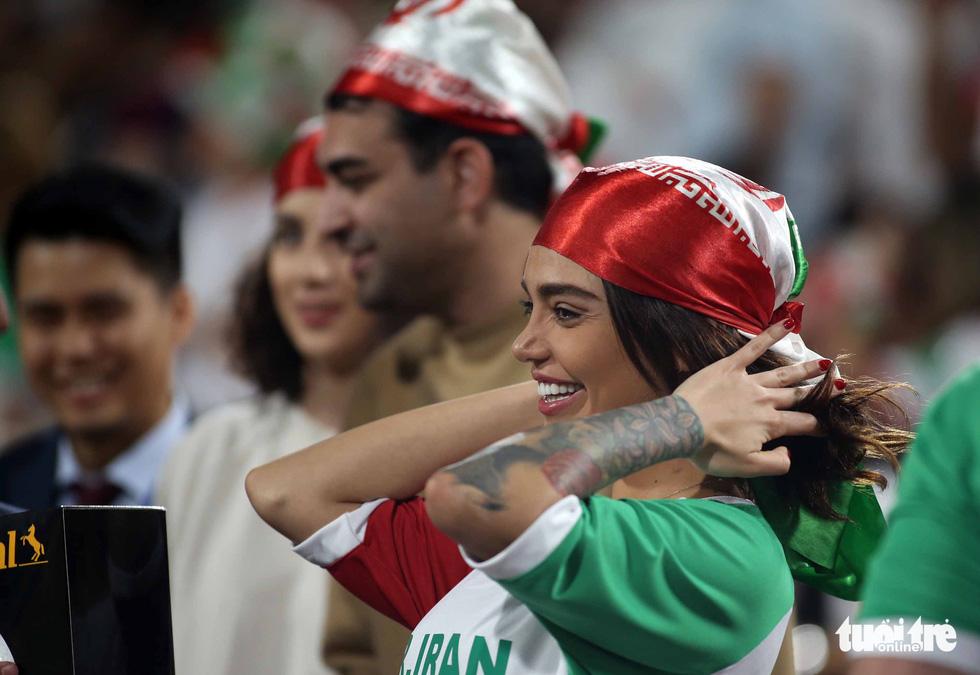 Ngắm những cô gái Iran xinh đẹp trong chiến thắng 5 sao trước Yemen - Ảnh 5.