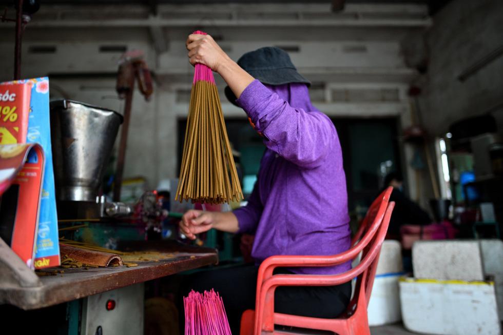 Làng nhang nhuộm màu hồng ở Việt Nam lên báo Tây - Ảnh 12.