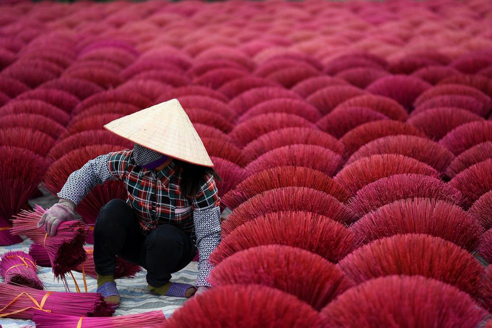 Làng nhang nhuộm màu hồng ở Việt Nam lên báo Tây - Ảnh 10.