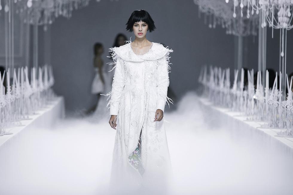 Lý Quí Khánh đánh dấu sự nghiệp 10 năm với Vẻ đẹp của sự tự do - Ảnh 5.