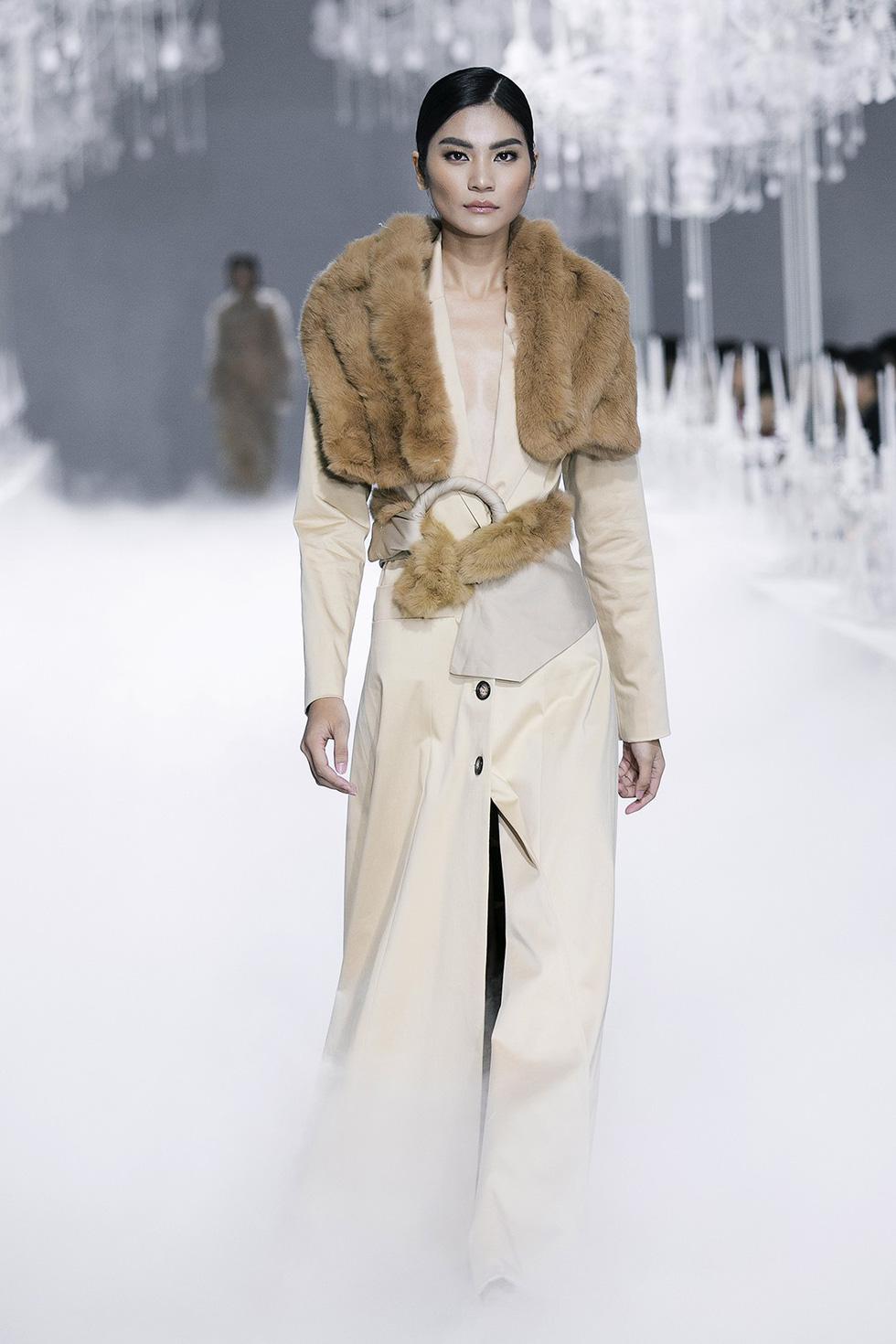 Lý Quí Khánh đánh dấu sự nghiệp 10 năm với Vẻ đẹp của sự tự do - Ảnh 7.