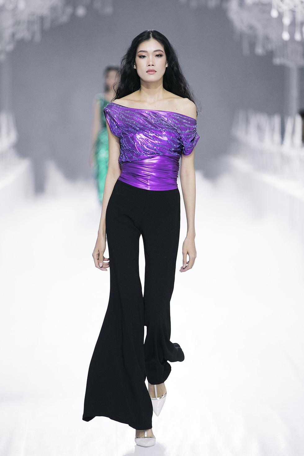 Lý Quí Khánh đánh dấu sự nghiệp 10 năm với Vẻ đẹp của sự tự do - Ảnh 9.