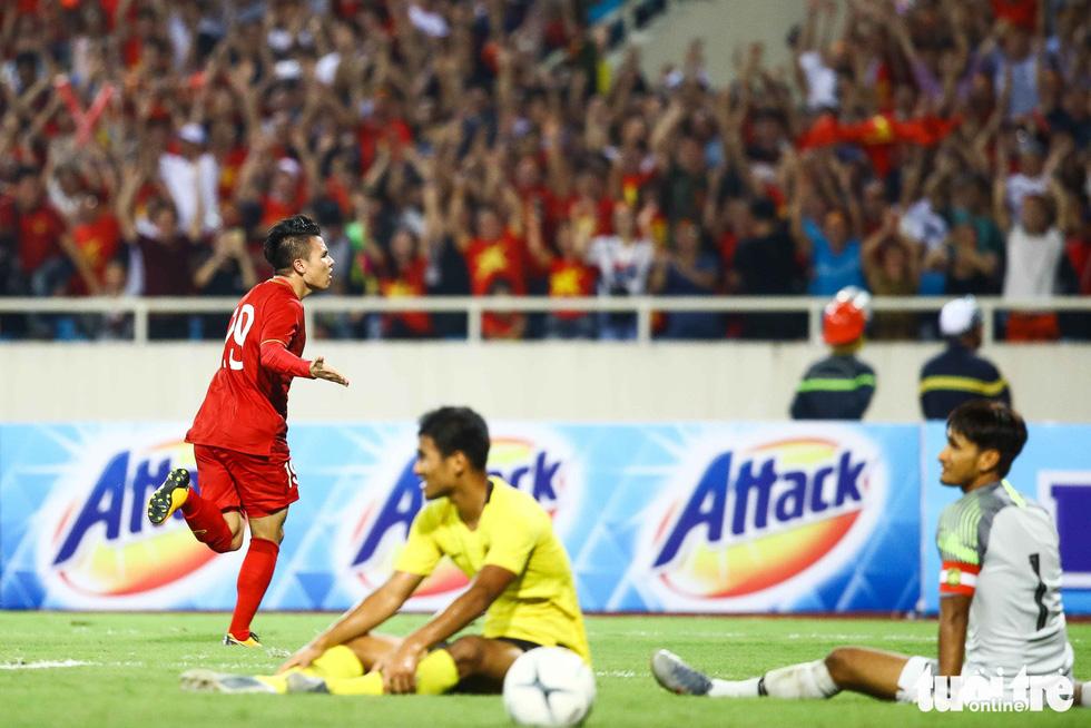 Chùm ảnh ấn tượng trận Việt Nam - Malaysia 1-0 - Ảnh 2.