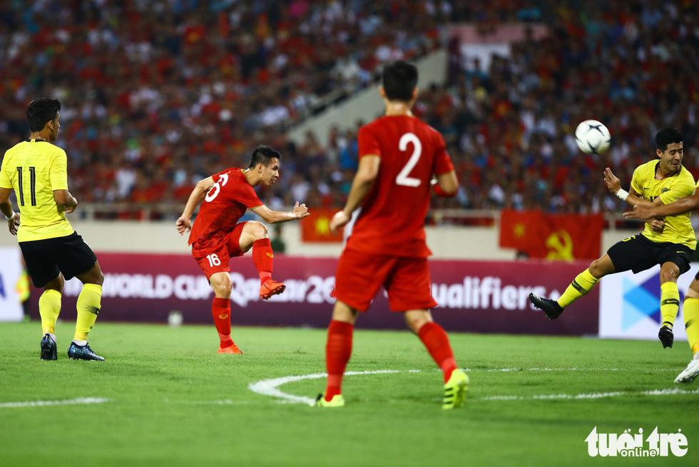 Chùm ảnh ấn tượng trận Việt Nam - Malaysia 1-0 - Ảnh 11.