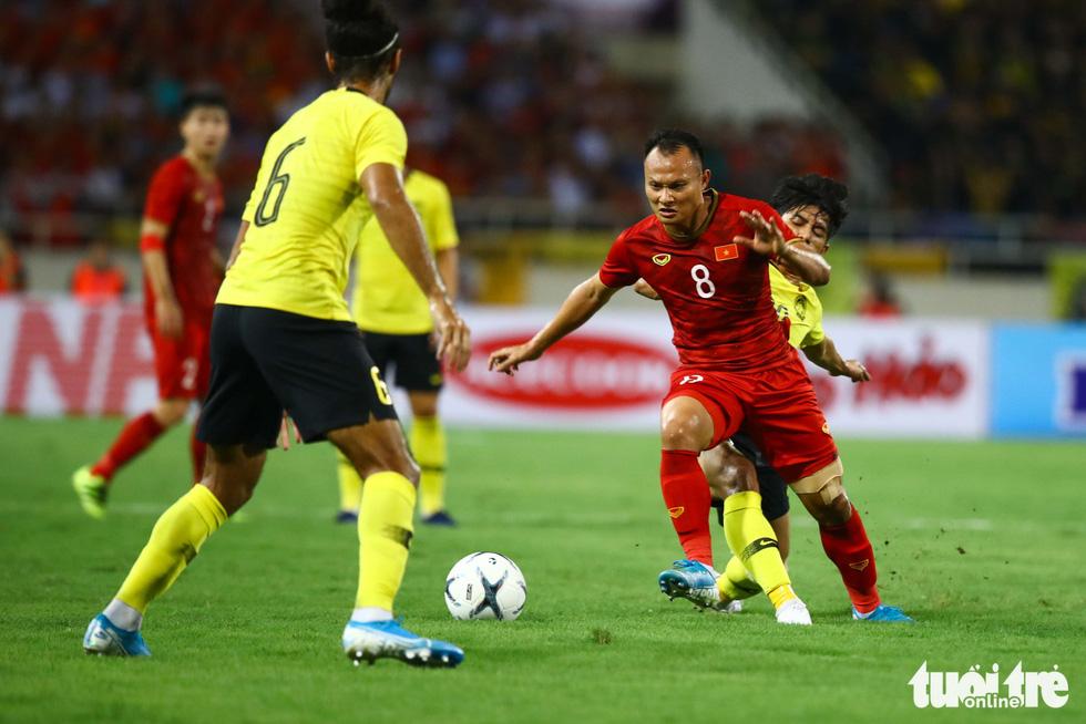 Chùm ảnh ấn tượng trận Việt Nam - Malaysia 1-0 - Ảnh 10.