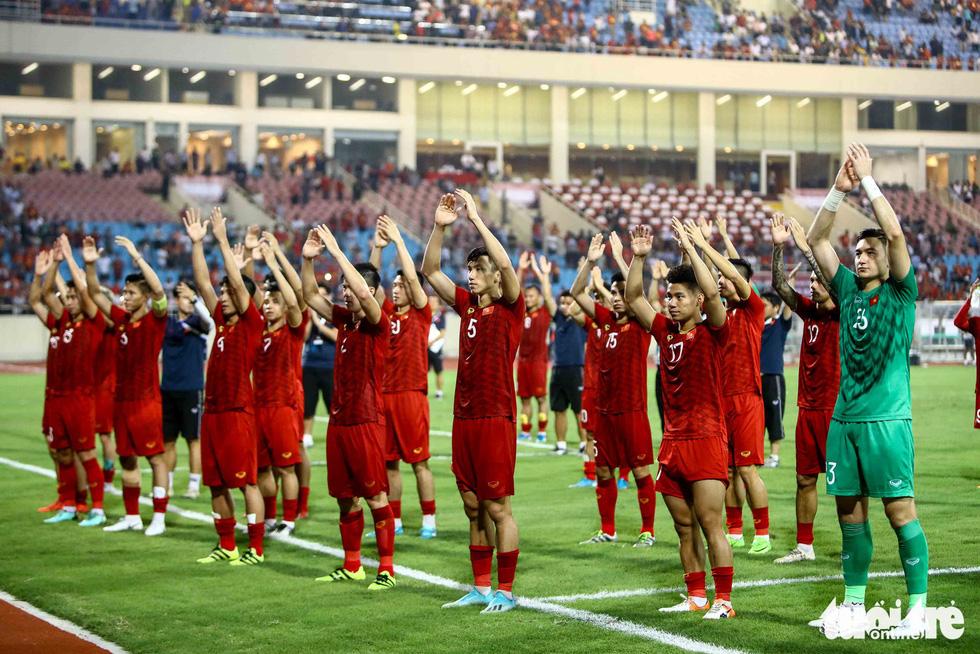 Chùm ảnh ấn tượng trận Việt Nam - Malaysia 1-0 - Ảnh 13.