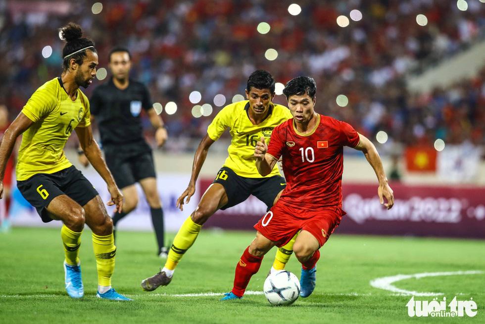 Chùm ảnh ấn tượng trận Việt Nam - Malaysia 1-0 - Ảnh 5.