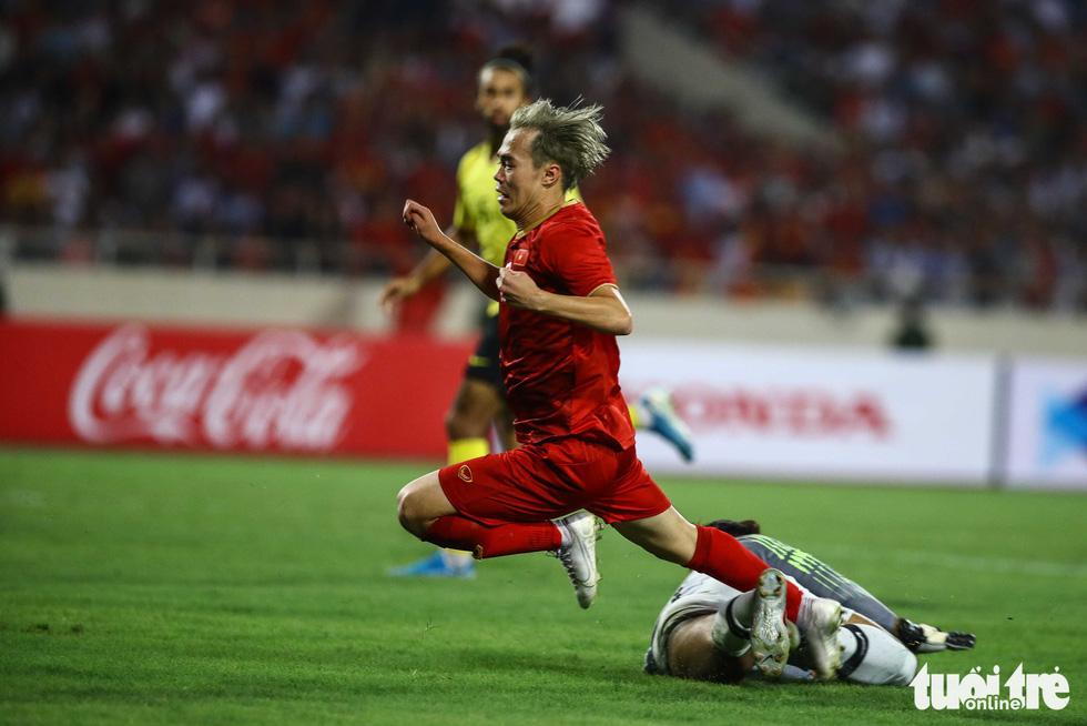 Chùm ảnh ấn tượng trận Việt Nam - Malaysia 1-0 - Ảnh 4.