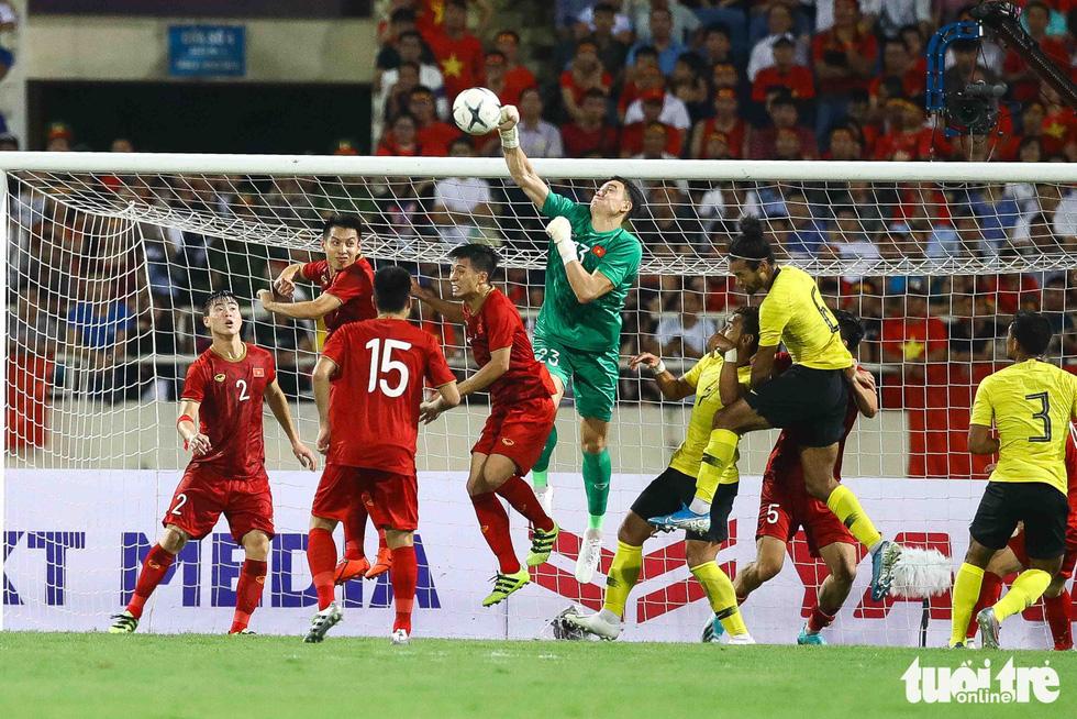 Chùm ảnh ấn tượng trận Việt Nam - Malaysia 1-0 - Ảnh 6.