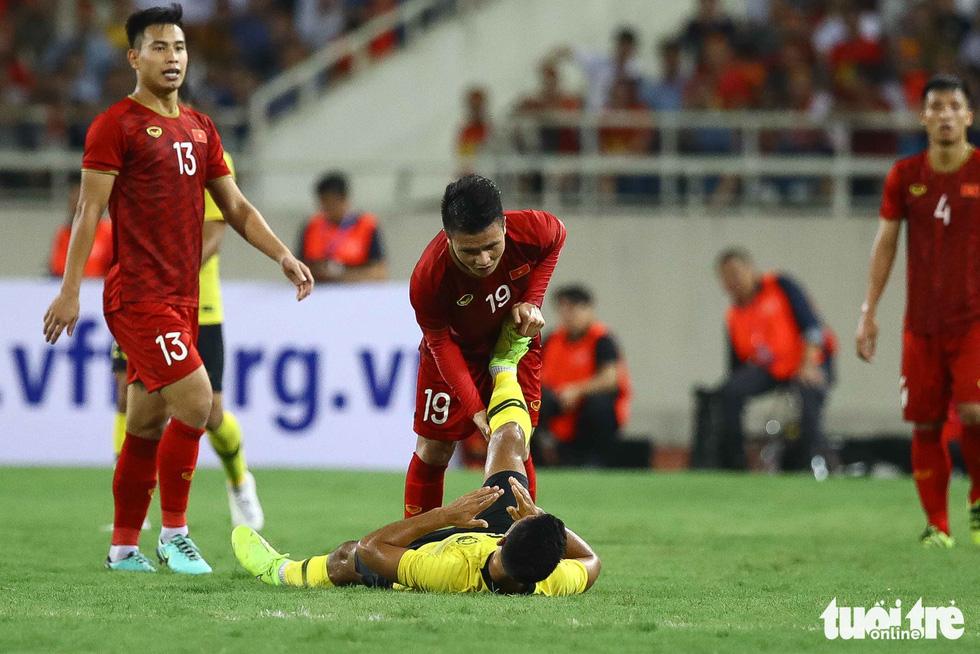 Chùm ảnh ấn tượng trận Việt Nam - Malaysia 1-0 - Ảnh 7.