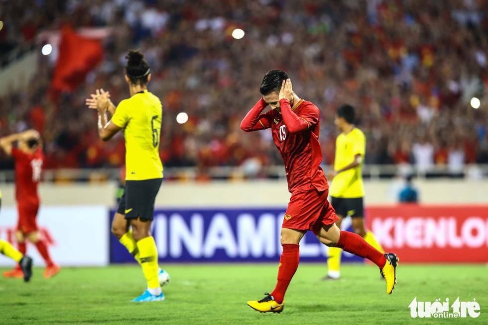 Chùm ảnh ấn tượng trận Việt Nam - Malaysia 1-0 - Ảnh 3.