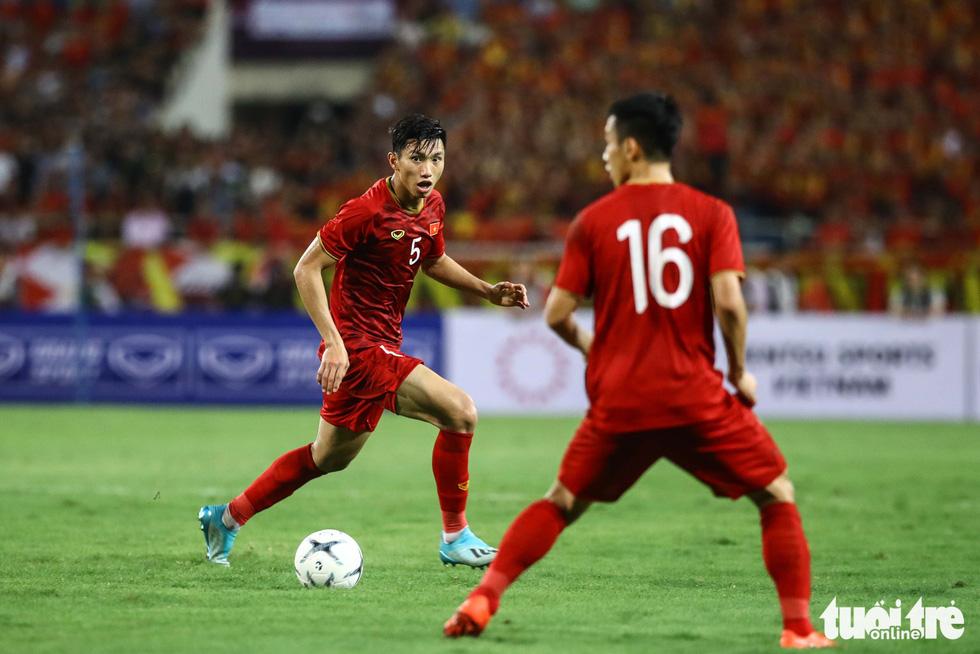 Chùm ảnh ấn tượng trận Việt Nam - Malaysia 1-0 - Ảnh 8.