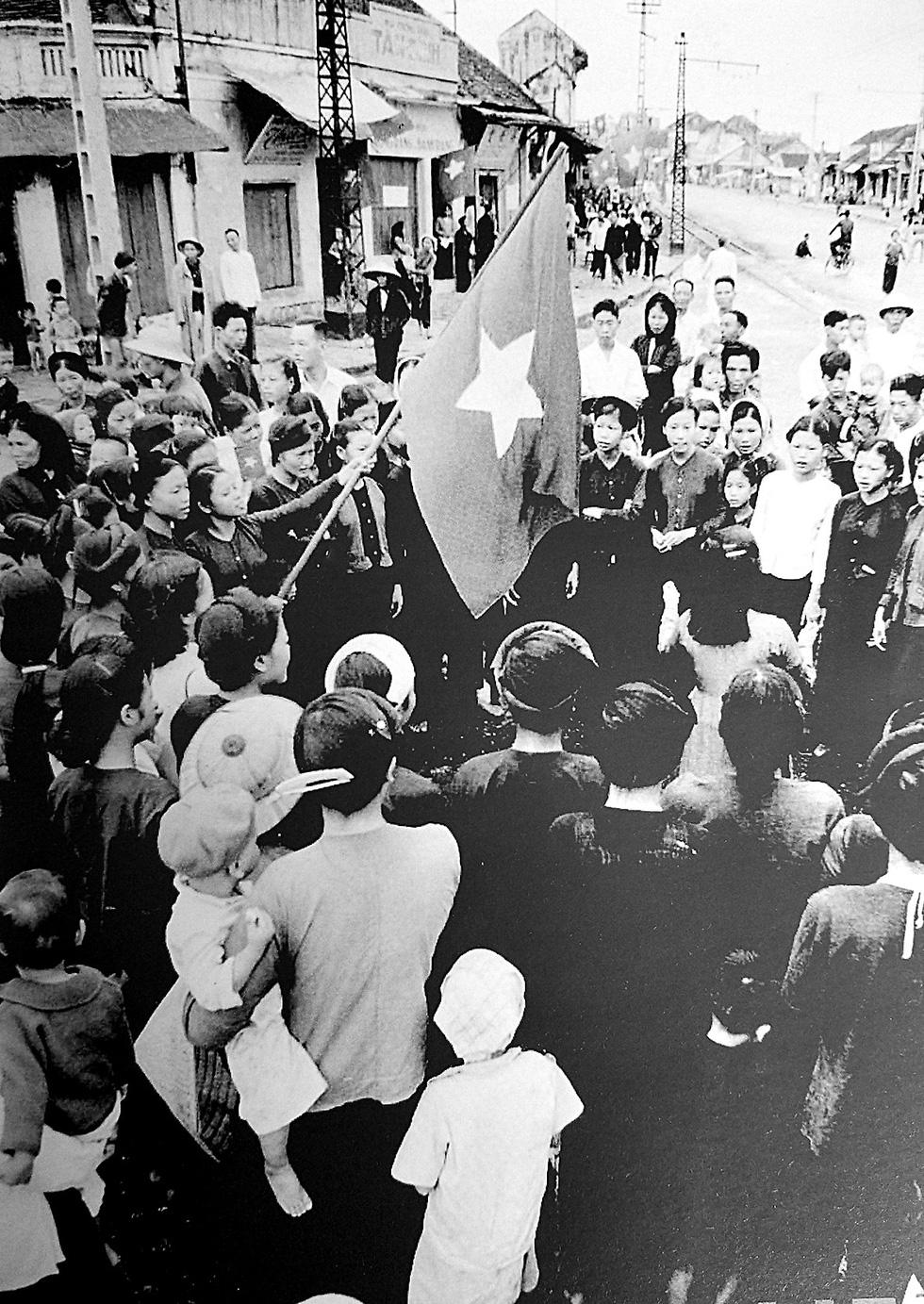 Kỷ niệm 65 năm ngày giải phóng Thủ đô: Hà Nội, ngày đoàn hùng binh khải hoàn - Ảnh 5.