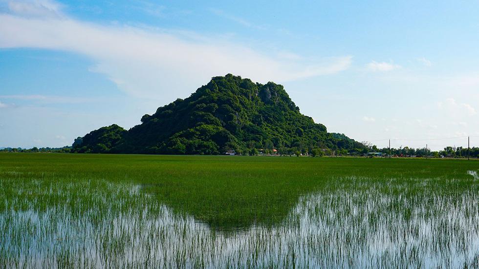 Hà Tiên, thành phố của những cánh đồng xanh - Ảnh 3.