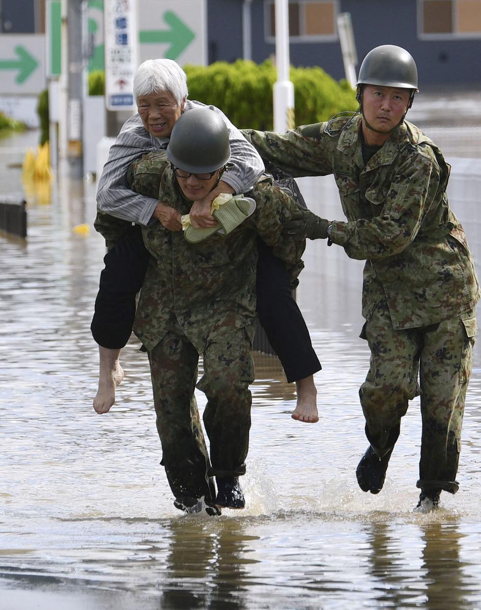 Người già, người trẻ Nhật không ai than khóc với thảm họa Hagibis - Ảnh 7.
