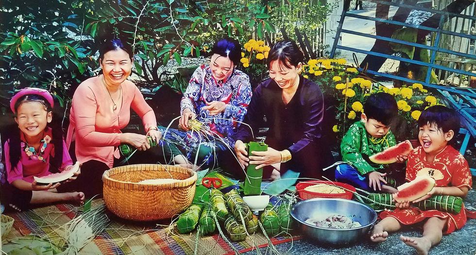 Đến Bảo tàng Phụ nữ Nam Bộ xem những bức ảnh bình yên - Ảnh 4.