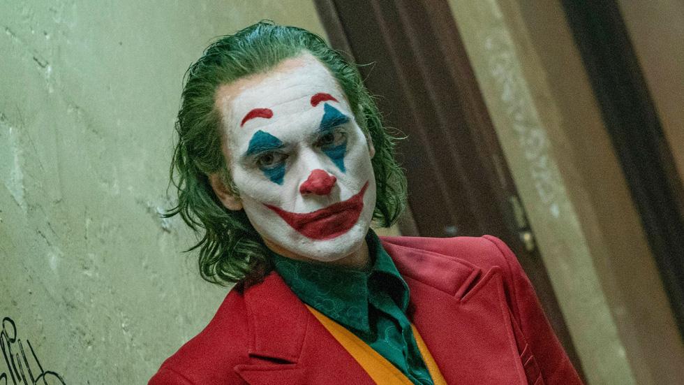 Joker: Tác phẩm điện ảnh choáng ngợp và vai diễn vĩ đại - Ảnh 9.