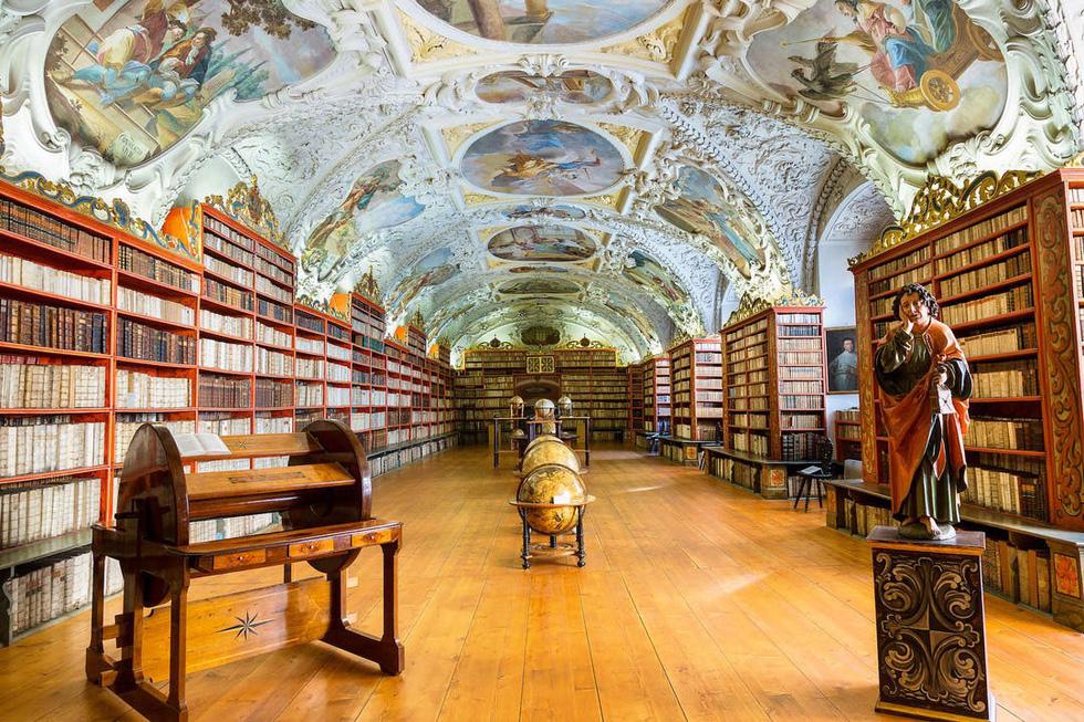 Những tuyệt tác trần nhà đẹp nhất thế giới - Ảnh 1.