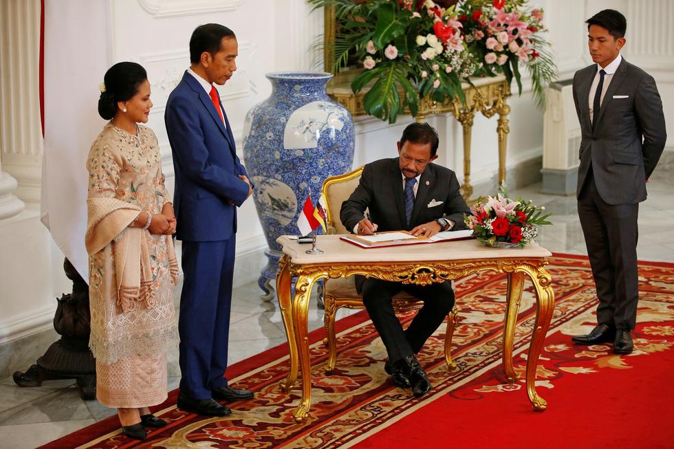 Tổng thống Joko tuyên thệ nhậm chức trong nghi lễ đơn giản - Ảnh 14.
