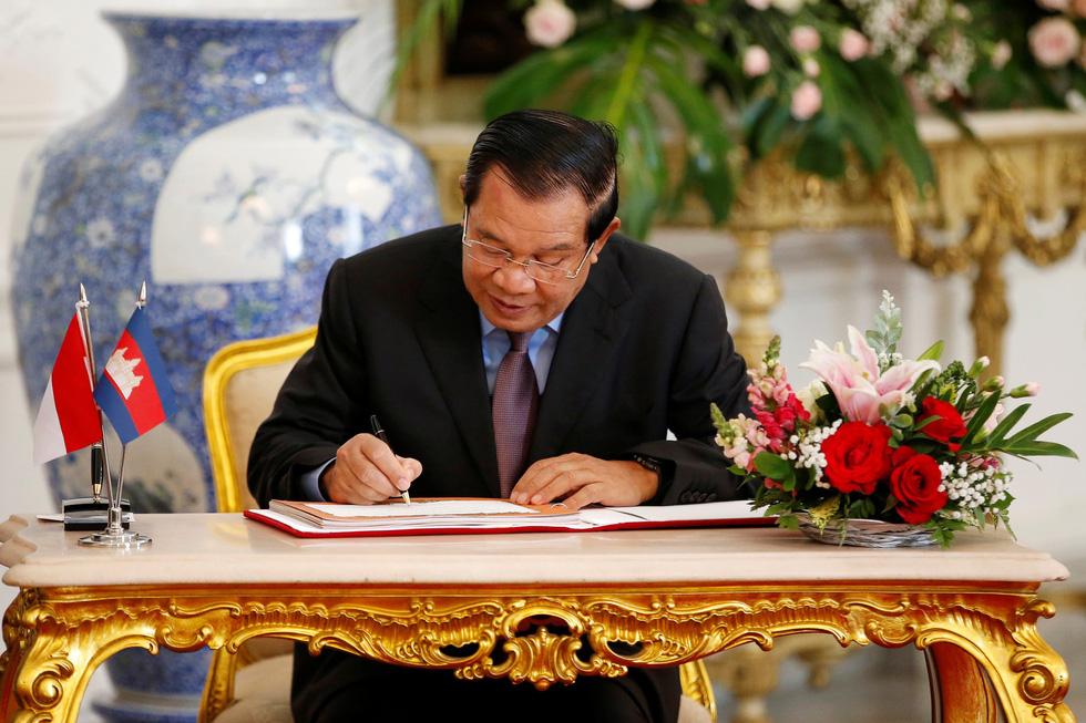 Tổng thống Joko tuyên thệ nhậm chức trong nghi lễ đơn giản - Ảnh 13.