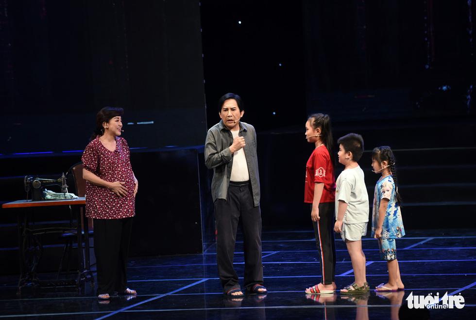 Kim Tử Long hội tụ với Ngọc Huyền, Phương Hồng Thủy... ở live show - Ảnh 5.