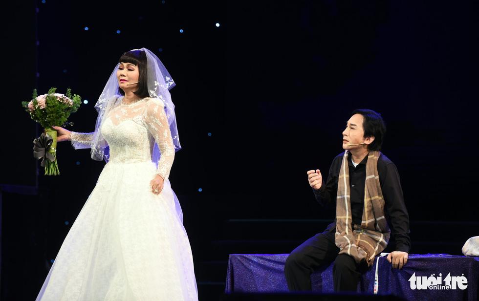 Kim Tử Long hội tụ với Ngọc Huyền, Phương Hồng Thủy... ở live show - Ảnh 1.