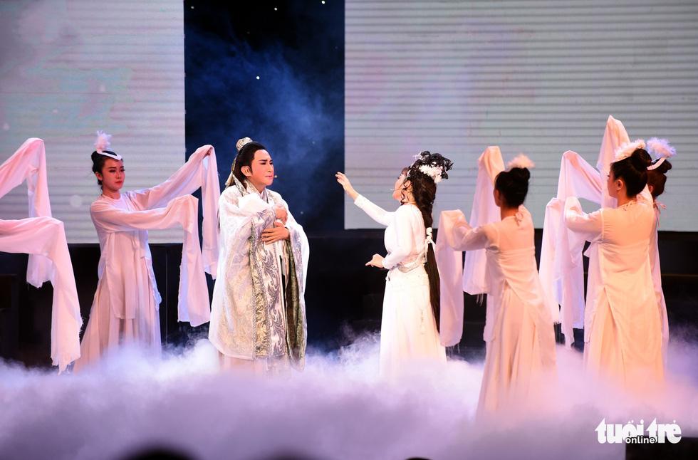 Kim Tử Long hội tụ với Ngọc Huyền, Phương Hồng Thủy... ở live show - Ảnh 10.