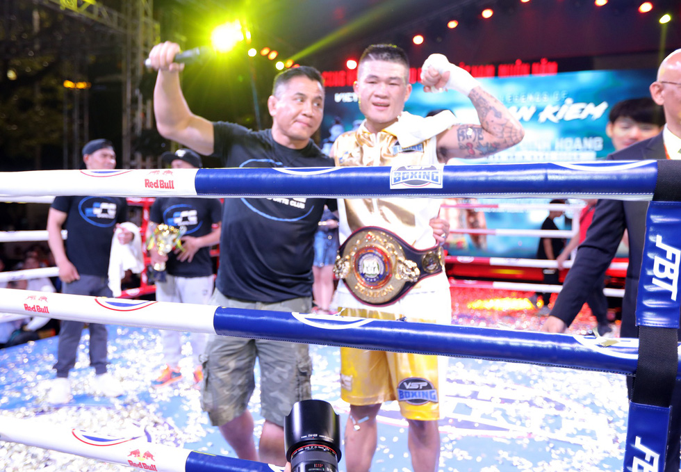 Đánh bại võ sĩ Hàn Quốc, Trương Đình Hoàng giành đai WBA Đông Á - Ảnh 11.