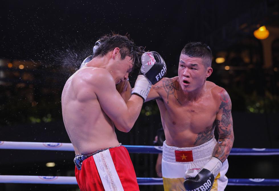 Đánh bại võ sĩ Hàn Quốc, Trương Đình Hoàng giành đai WBA Đông Á - Ảnh 7.