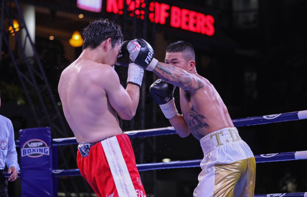 Đánh bại võ sĩ Hàn Quốc, Trương Đình Hoàng giành đai WBA Đông Á - Ảnh 4.