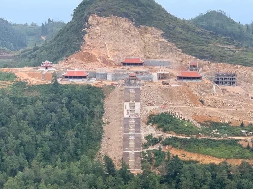 Phá núi xây khu du lịch tâm linh nơi cột cờ Lũng Cú - Ảnh 4.