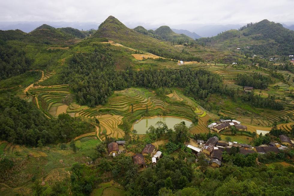 Phá núi xây khu du lịch tâm linh nơi cột cờ Lũng Cú - Ảnh 5.