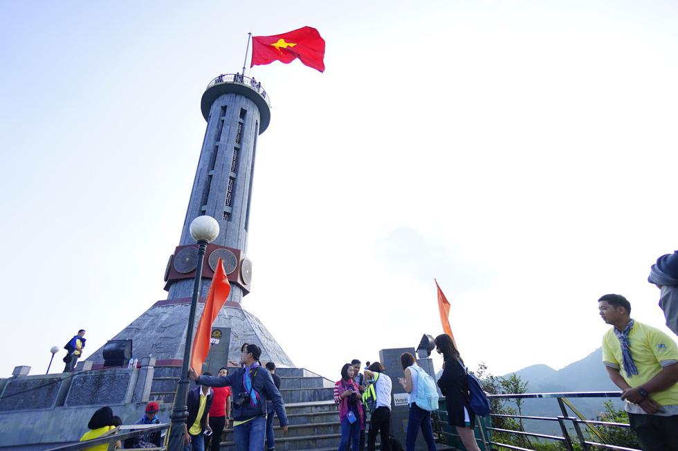 Phá núi xây khu du lịch tâm linh nơi cột cờ Lũng Cú - Ảnh 9.
