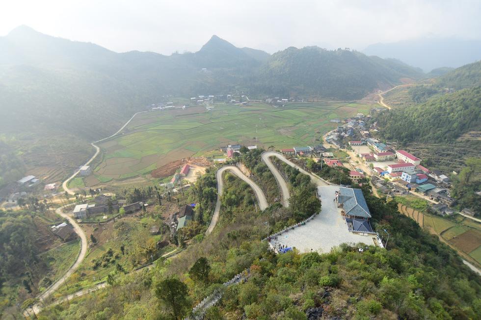 Phá núi xây khu du lịch tâm linh nơi cột cờ Lũng Cú - Ảnh 12.
