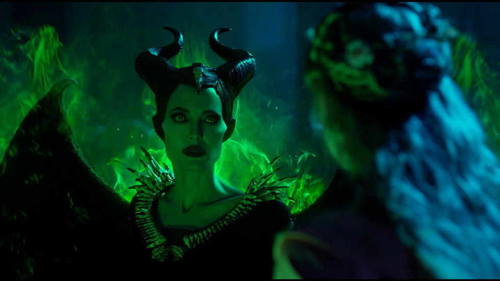 Tiên hắc ám 2: Ngoài dàn diễn viên xinh đẹp lộng lẫy là rỗng tuếch - Ảnh 6.