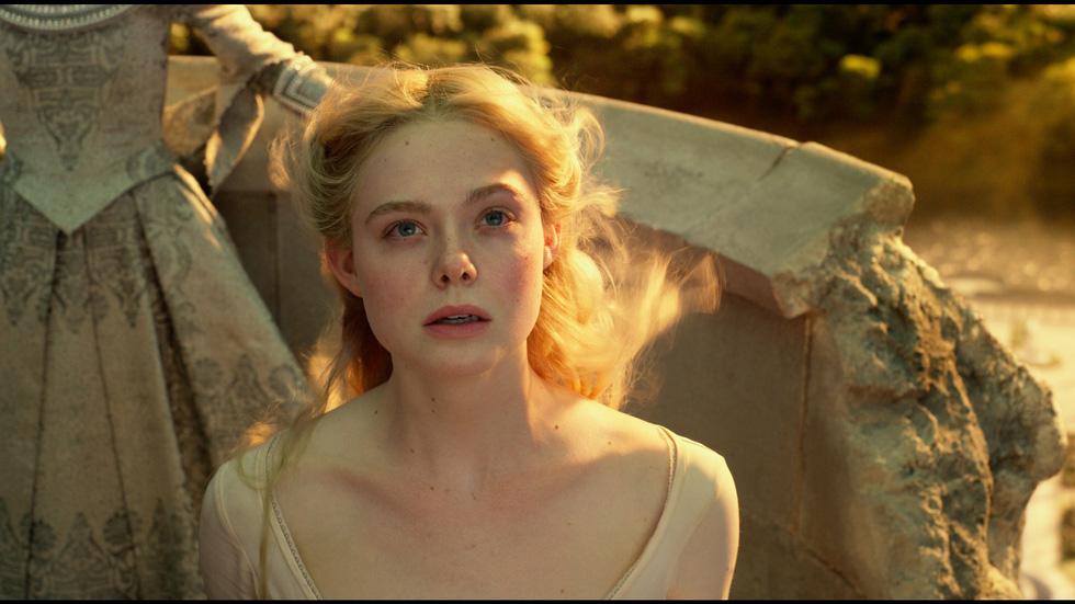 Tiên hắc ám 2: Ngoài dàn diễn viên xinh đẹp lộng lẫy là rỗng tuếch - Ảnh 7.